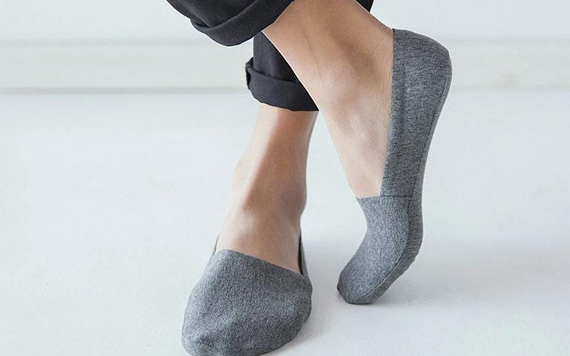 Anti-slip no show socks