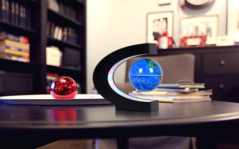Floating Globe Lamp