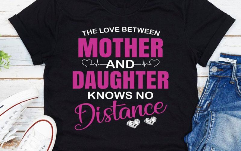 The Love Between Mother & Daughter
