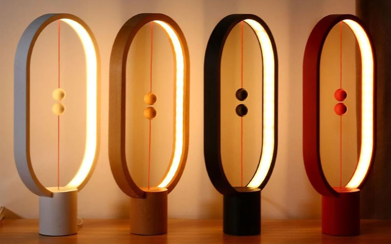 Wooden Table Lamp with Magnetic Detail