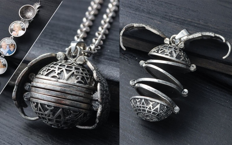 magical expendable photo locket