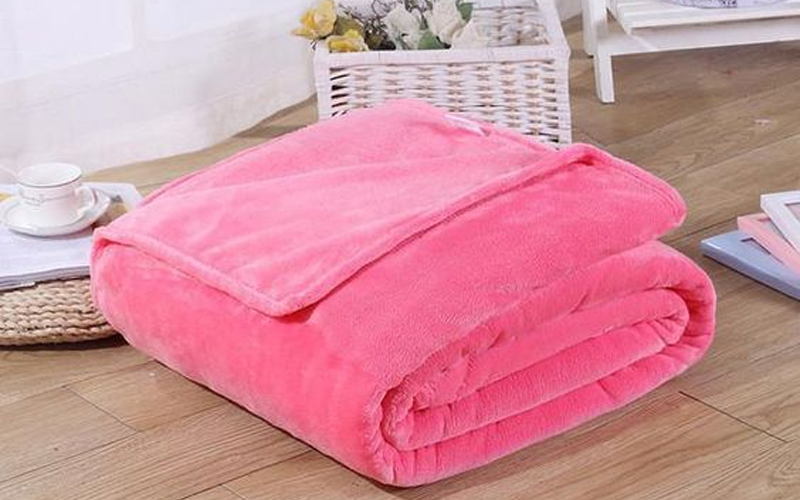 What Is Polyester Blanket