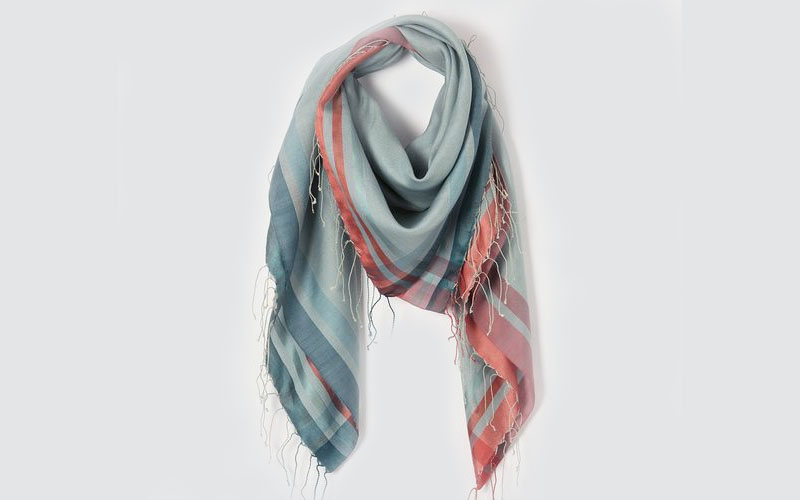 Scarves with contrasted borders