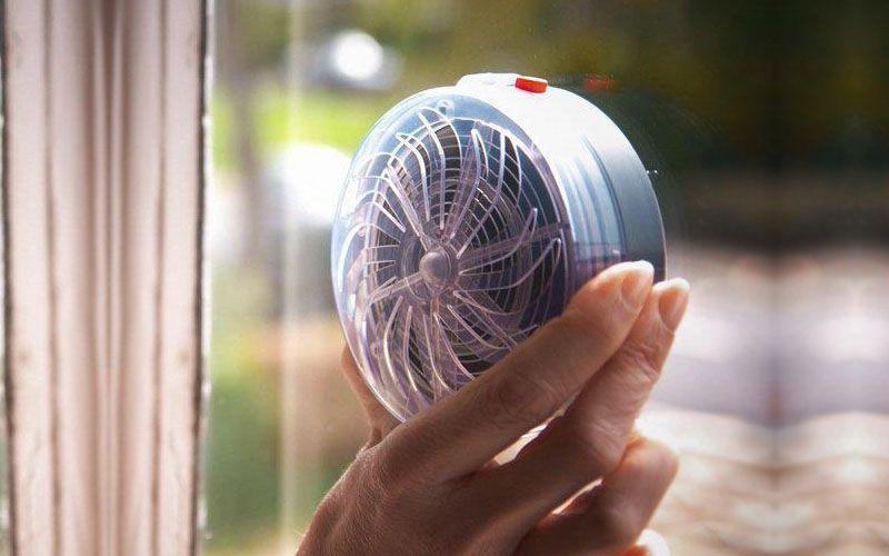 Solar Powered Buzz UV Lamp