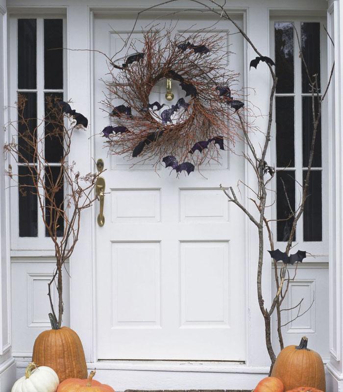 Bats Attack Halloween Wreath DIY