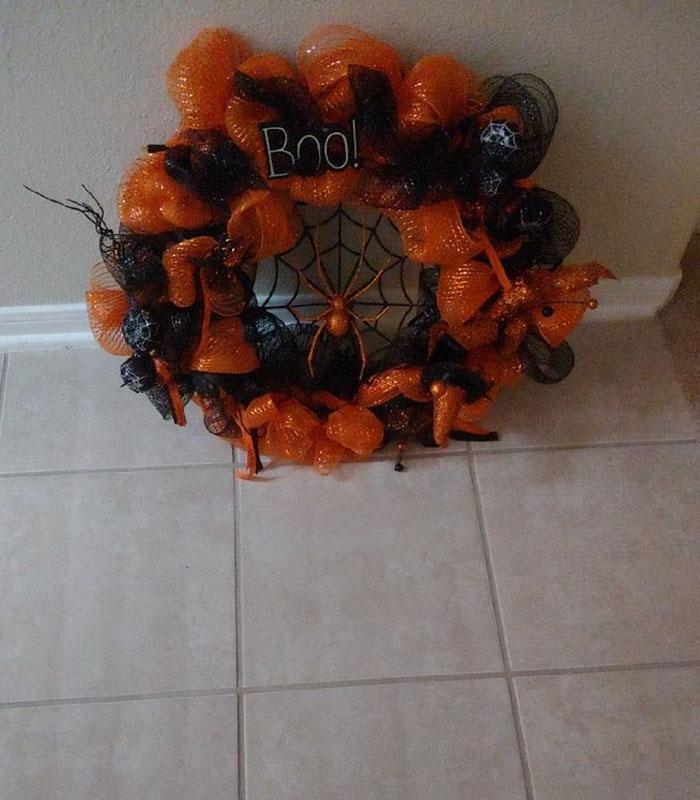 The Creepy Spider Wreath 2