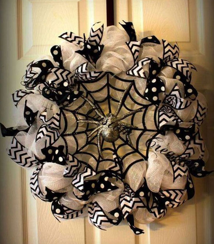 The Creepy Spider Wreath