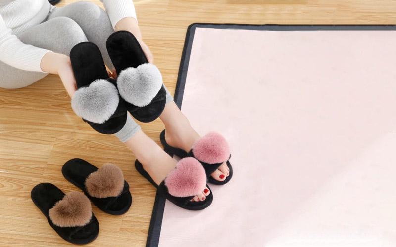 Women's Cute Heart Slippers For Indoor & Outdoor
