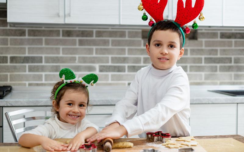 Let Kids Help in Cookie Making