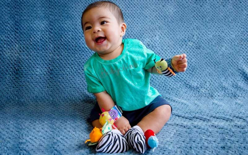 Multicolor Baby Wrist Rattle And Foot Finder Set