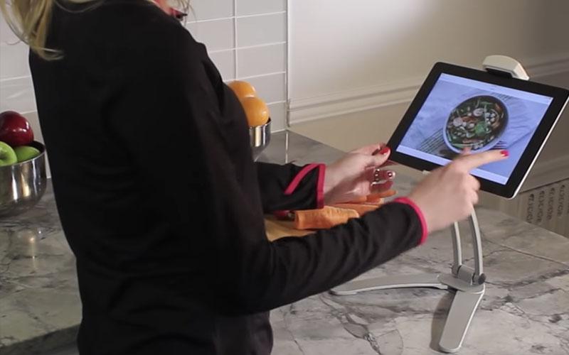 2-in-1 Desktop & Wall Pull-Up Lazy Bracket for Mobile Phones & Tablets