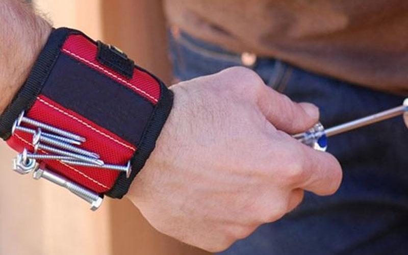 Handyman Pouch Magnetic Wristband