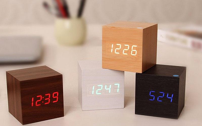 Modern Digital Wood Clock