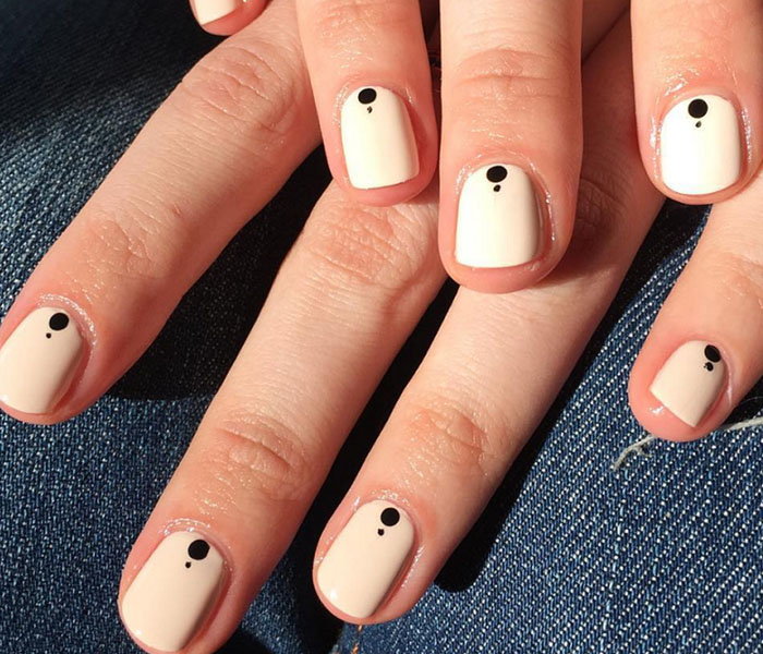 Minimal Manicure Nails