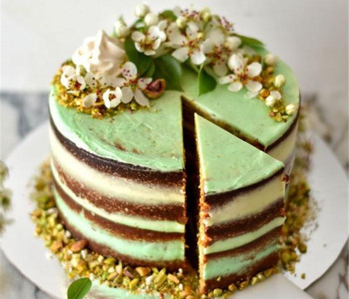 Pistachio cake with honey buttercream