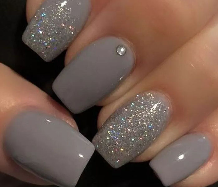 gray nails with glitter