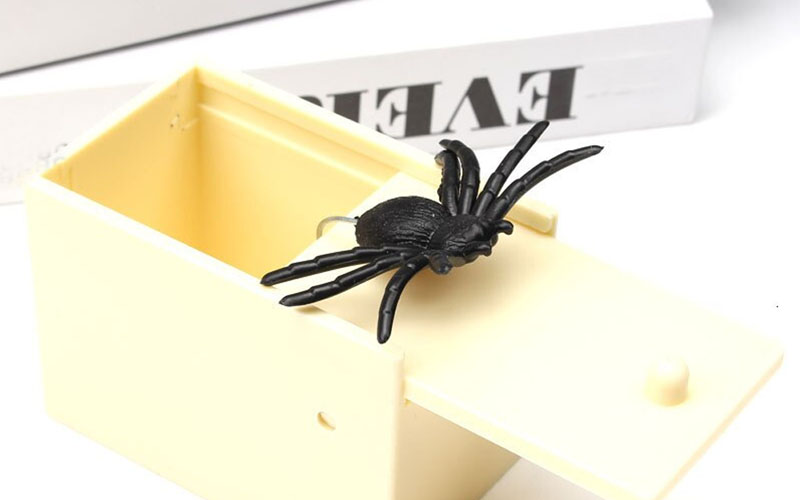 Fake Spider In Box Surprise Prank Gift