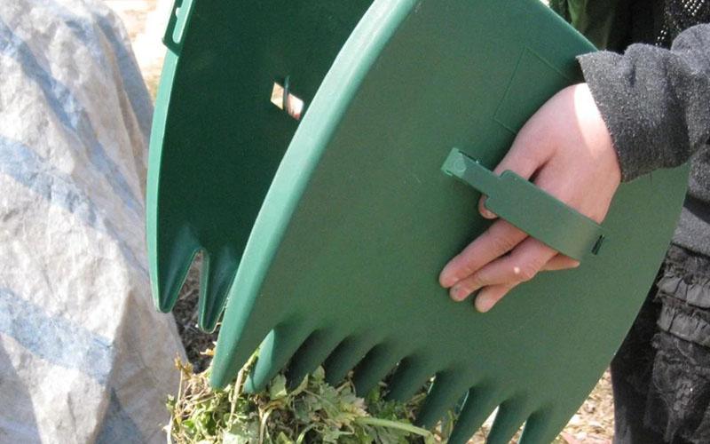 Leaf Grabber Hands For Raking Up Leaves