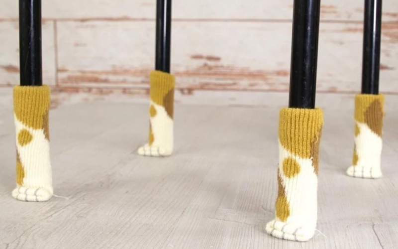 Kitty Paw Chair Socks