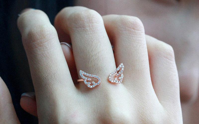 Adjustable Zinc Alloy Angel Wings Ring