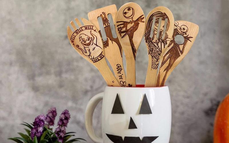 5 Piece Halloween Wooden Spoon Set