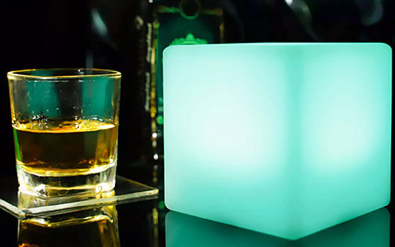Color Changing LED Cube Light With Remote Control