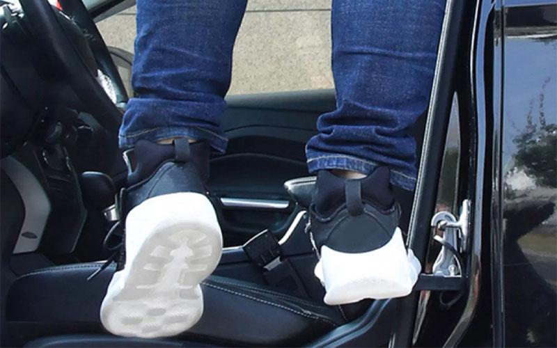 Folding Car Rooftop Doorstep Foot Peg