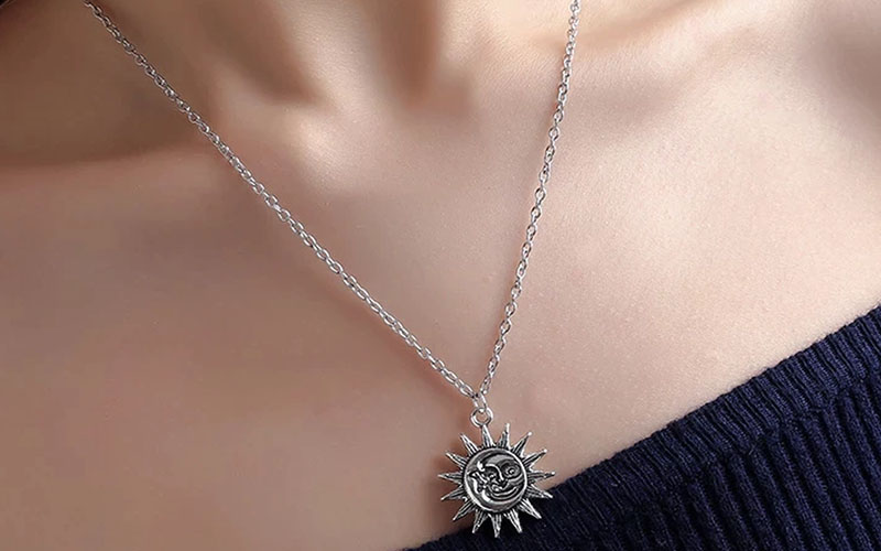 Stainless-Steel-Dainty-Sun-Pendant-Necklace