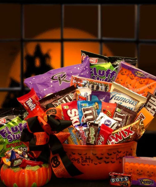 Halloween bucket idea for a friend who loves snacks