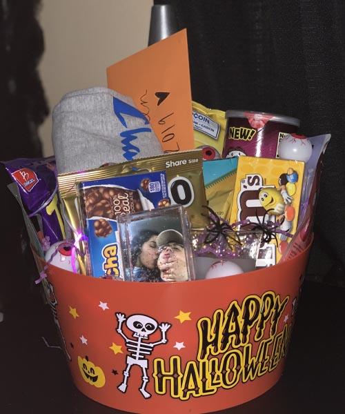 Happy Halloween spooky basket for boyfriend idea 101
