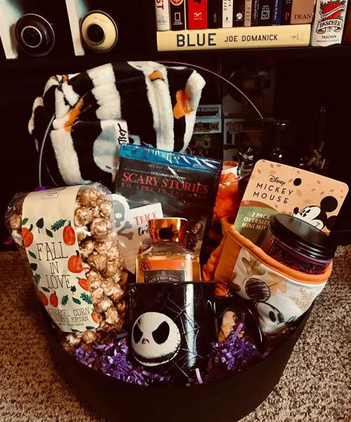 Spooky basket for micky lover bf
