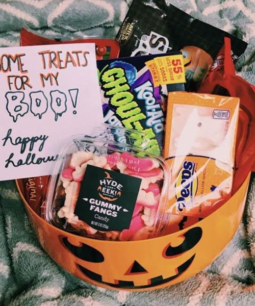 Sweet spooky basket for him